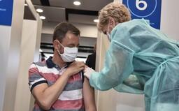Hegera zaočkovali druhou dávkou: Ísť do tretej vlny bez vakcíny je ako postaviť sa s nožíkom proti akémukoľvek súperovi