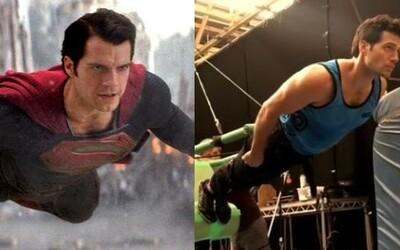 Henry Cavill na videu ukázal, ako sa v skutočnosti natáčalo lietanie Supermana