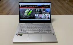 Herní notebook se 120 Hz displejem, speciální svítící plochou a extrémní grafikou. To je Asus ROG Zephyrus G14 (Recenze)