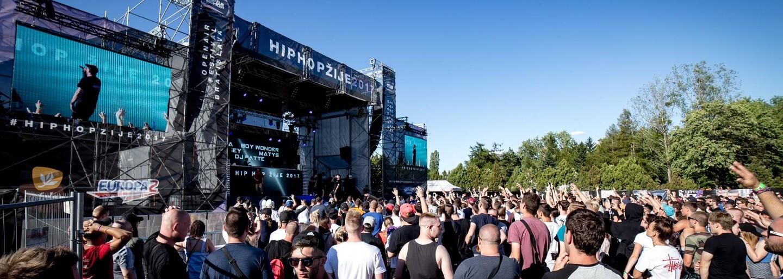 Hip Hop Žije 2017 v šesťdesiatich sekundách. Vychutnaj si zábery z bratislavského festivalu a priprav sa na Domašu, Duchonku a Ostravu
