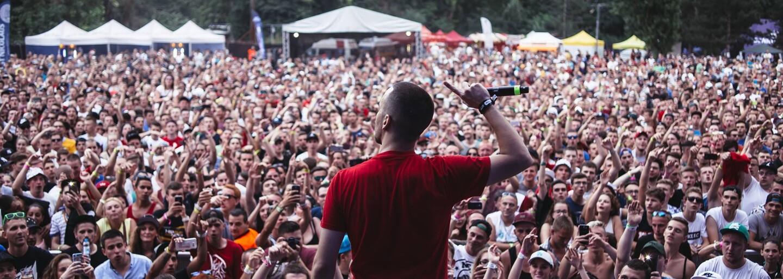 Hip Hop Žije 2017 zverejňuje prvé mená. Dočkáme sa stálic ako H16, Pil C či Rytmus a premiérovo vystúpia AK aj Supercrooo