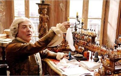 História a vznik parfumu. Dozvieš sa tiež, čo všetko obsahuje tvoja voňavka
