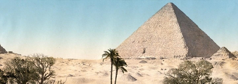 Historické obrázky starého Blízkeho východu ukazujú bežný život vtedajších obyvateľov spolu s  pyramídami či Jeruzalemom