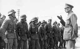 Historik David Svoboda: Vlasovci si pomník zaslouží, Novotný dává Rusku co proto