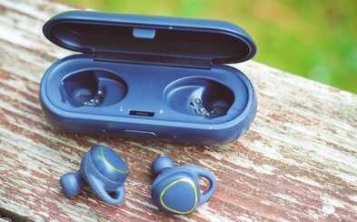 Hi-tech výbava a žiadne káble. Stoja slúchadlá Samsung Gear IconX za nemalú investíciu? (Recenzia)