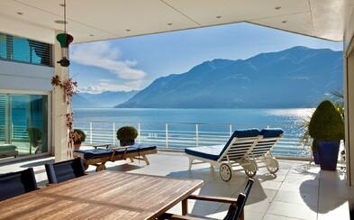 Hladina nádherného jezera, kterou budeš obdivovat z luxusního pětipokojového penthousu. Vypadá takto sen o bydlení?
