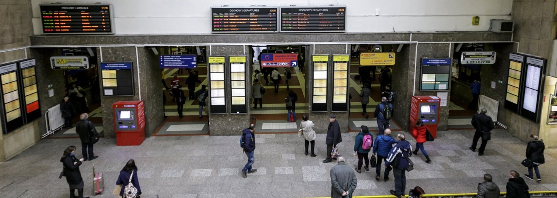 Hlavná stanica konečne prechádza zmenami. S bezdomovcami a asociálmi si chcú železnice poradiť mrežami aj SBS