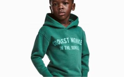 H&M sa v rámci kauzy rasistickej fotografie oficiálne ospravedlnilo. Ku The Weekndovi sa však pridali i ďalšie veľké celebrity