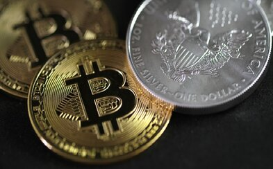 Hodnota Bitcoinu klesla o 11 tisíc dolarů