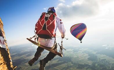 Hojdačka vo výške 1,8 kilometra prichytená na teplovzdušnom balóne rozhodne nie je pre každého
