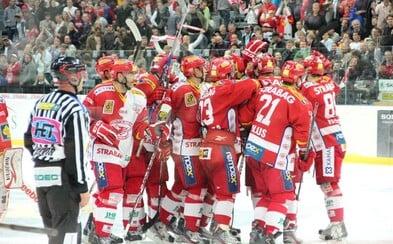 Hokejisti Slavie Praha odmietli nastúpiť na zápas pre ohlásené prepúšťanie hráčov. Klub musel narýchlo povolať juniorku, ktorá dostala poriadnu nakladačku