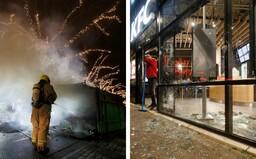 Holanďania protestujú proti zákazu vychádzania. Rozbíjajú výklady, autobusové zástavky, bijú policajtov aj novinárov