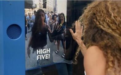 Holandská spoločnosť rozdávala letenky za perfektný high five