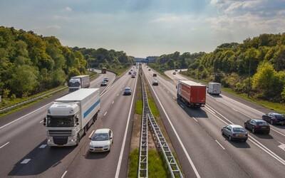 Holandsko je prvou európskou krajinou, ktorá zníži povolenú rýchlosť na diaľnici
