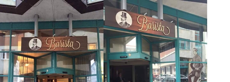 Homofóbna bratislavská kaviareň Kristíne s priateľkou vynadala za pusu na líce. Nasledovným príspevkom na Facebooku všetko ešte zhoršili
