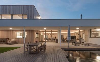 Honosné sídlo situované na okraji Bratislavy ponúka nesporný luxus či terasu s vlastným jazierkom