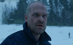 Hopper žije! 4. série Stranger Things posílá pozdravy z Ruska, kde je oblíbená postava uvězněna