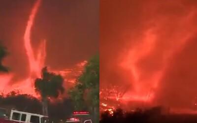 Horiacu Kaliforniu zasiahlo ničivé ohnivé tornádo. Už aj v minulosti prírodný fenomén spôsobil katastrofu