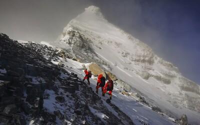 Horolezci na Everestu tento týden překonali několik rekordů