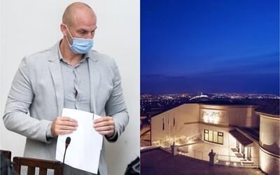 Hotel spájaný s Bödörom, kde prespával Fico, má nového majiteľa. Je ním bývalý zamestanec, ktorý z neho vyhodil novinárov