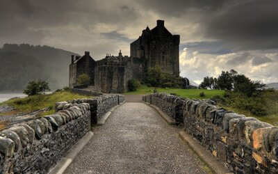 Hrady a pevnosti, ktoré po zhliadnutí budeš chcieť navštíviť