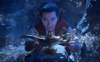 Hraný Aladin od Disney objavuje zázračnú lampu a odhaľuje svet čarov a temnoty