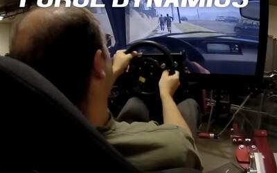 Hrať GTA V na simulátore za 50-tisíc dolárov? Zrážanie ľudí či naháňačky s políciou nikdy nevyzerali tak reálne
