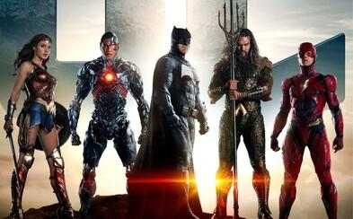 Hrdinovia tímu Justice League bojujú vo veľkolepom traileri proti Paradémonom a všetkému svinstvu, ktoré ohrozuje Zem. Dostavil sa aj Superman?