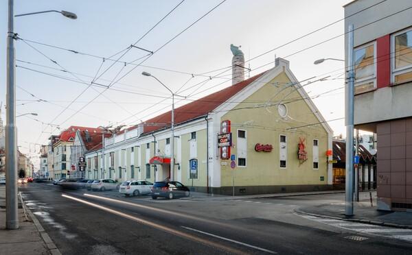 Hrozí, že v Bratislave zbúrajú sladovňu z roku 1872. Pamiatkari zrazu po rokoch zmenili názor a budovu už nechránia
