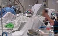 Hrozné zábery na nevládnych pacientov. Takto to vyzerá v talianskej nemocnici počas pandémie koronavírusu