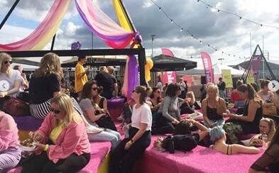 Hudobný festival výlučne pre ženy uznali za diskriminačný. Muži sa podľa organizátorov musia naučiť správať
