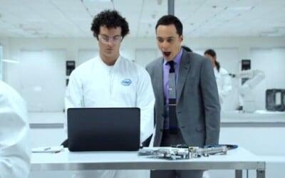 Hviezda The Big Bang Theory, Jim Parsons, je po novom tvárou Intelu