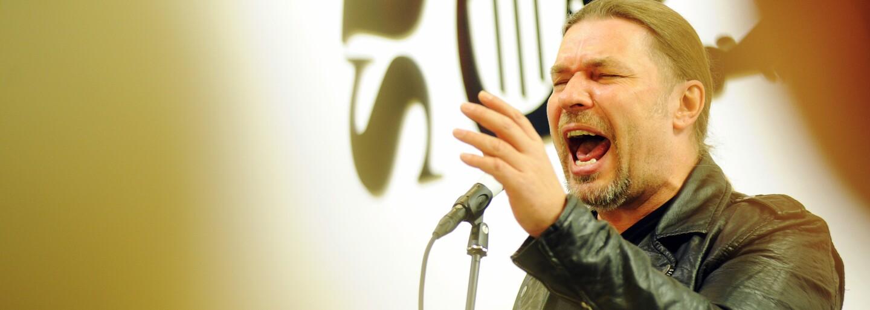 """Hymna SPD: Petr Kolář ji nazpíval, ale teď se brání. """"SPD volit nebudu a nejsem její tváří"""""""
