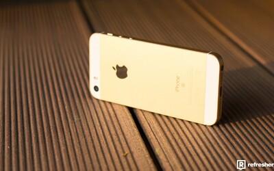 I malý smartphone dokáže dělat divy. Vyplatí se přejít na 4palcový iPhone SE? (Recenze)