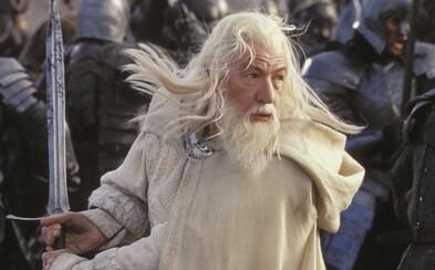 Ian McKellen by si úlohu legendárneho Gandalfa rád zopakoval aj v seriáli zo sveta Pána Prsteňov. Zatiaľ však žiadnu ponuku nedostal