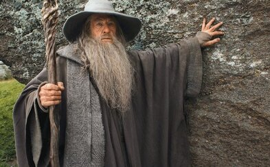 Ian McKellen, legendárny Gandalf, Magneto a po novom aj Sherlock dnes oslavuje 76. narodeniny