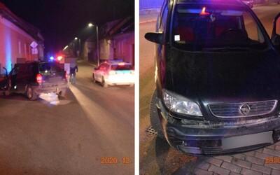 Iba 14-ročný chlapec nabúral autom do domu a nafúkal 1,5 promile