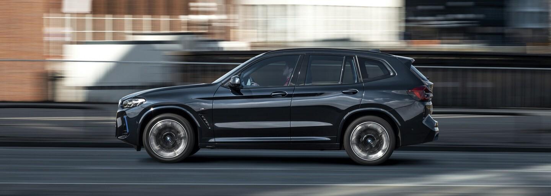 Iba rok po uvedení vstupuje elektrické BMW iX3 na trh v modernizovanej podobe