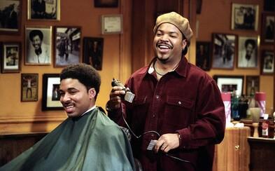 Ice Cube sa vracia a hláškuje ako majiteľ holičstva v traileri pre Barbershop 3