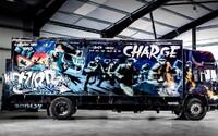 Idú dražiť Banksyho kamión, čakajú zaň takmer dva milióny dolárov