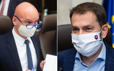 Igor Matovič nesúhlasí s otváraním jedální. Ministra školstva skritizoval aj za to, že prišiel na tlačovku bez rúška