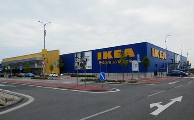 Ikea od nového roku prestane na Slovensku predávať plastové poháre aj taniere