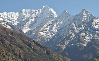 Impozantní velikán Mount Everest: Jde stále o dobrodružství, nebo se z výstupu na nejvyšší horu světa stal byznys?