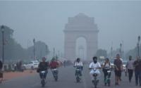 Indické hlavné mesto zatvorilo školy: Kvôli smogu sa nedá dýchať, úroveň znečistenia je 9-krát vyššia, než je bezpečné pre človeka