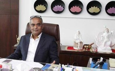 Indický šéf rozdá zaměstnancům 1260 aut, 400 bytů, ale i šperky. Za výborné výsledky si to prý zaslouží