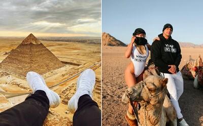 Influencer vylezl na pyramidu v Egyptě, následně ho zatkli. Ve vězení to bylo hrozné, napsal fanouškům