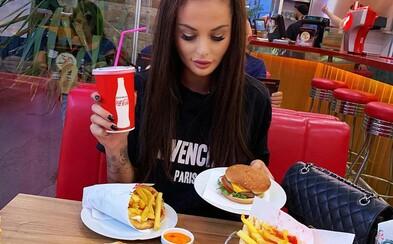 Instagram prestal nedospelým užívateľom zobrazovať príspevky propagujúce diétu a plastické operácie