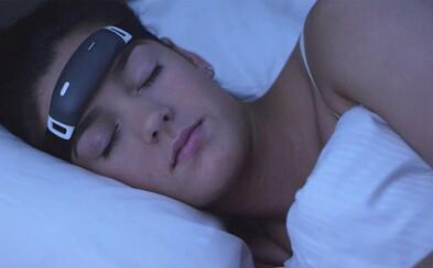 Inteligentná čelenka sľubuje kontrolované lucidné sny. Vyskúšame si Inception na vlastne koži?