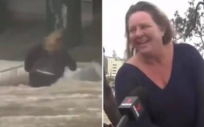 Internet má novou hrdinku: Žena riskovala svůj život a vrhla se do oceánu, jen aby zachránila sudy s pivem