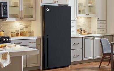 Internet si robí srandu z nového Xboxu Series X. Vyzerá vraj ako chladnička alebo raketomet